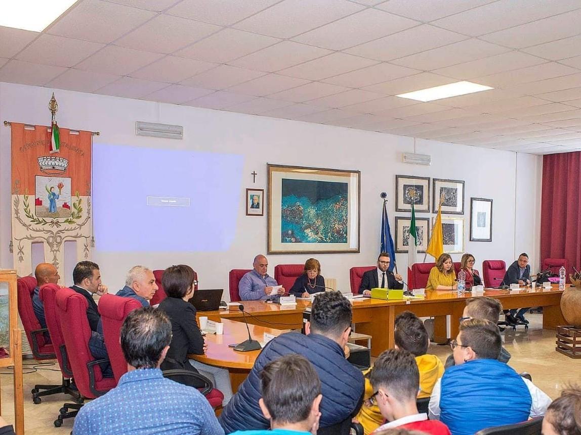Immagine articolo: Santa Ninfa, convocato il Consiglio Comunale per giorno 29 Luglio. Ecco l'ordine del giorno