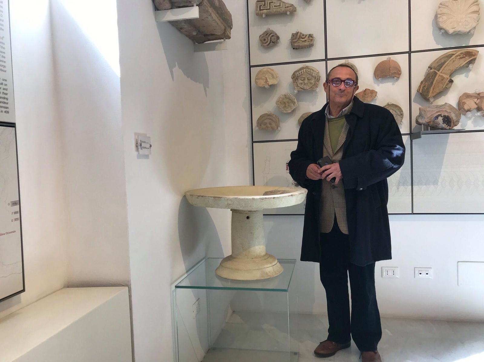 """Immagine articolo: Appello per la cultura del Prof. Bonanno: """" Chi puó doni alla Città pannelli per la Galleria Salinas"""""""