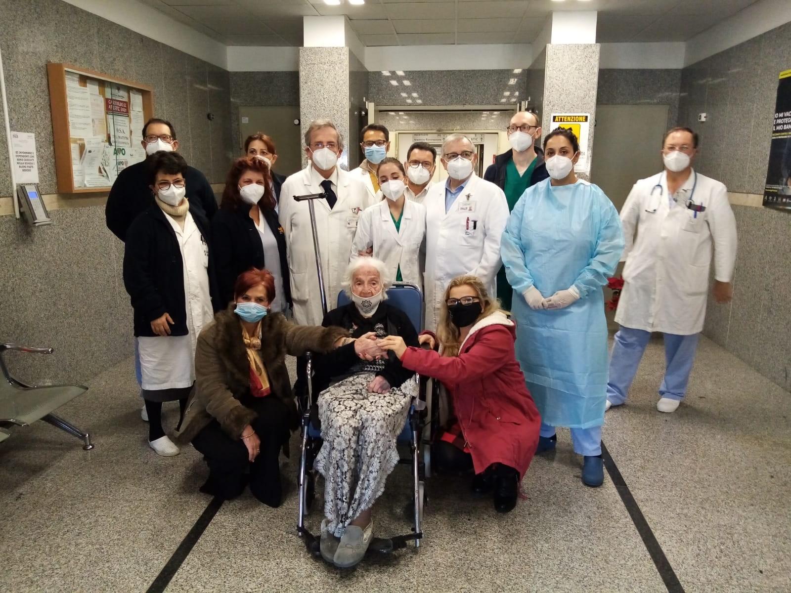 Immagine articolo: Coronavirus, dimessa a Marsala paziente centenaria guarita dal Covid-19