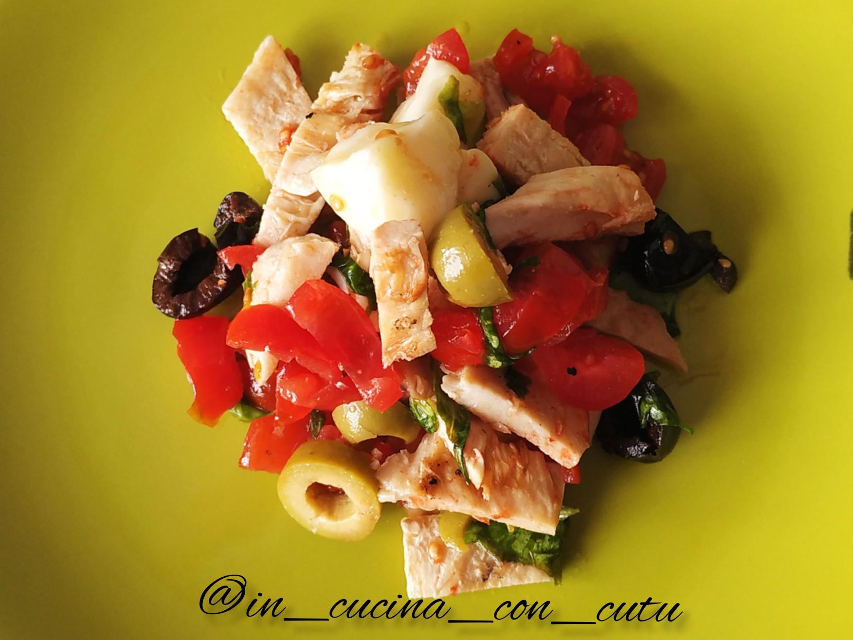 Immagine articolo: La mia ricetta è: Insalata di pollo. Consigli per un piatto leggero ma gustoso