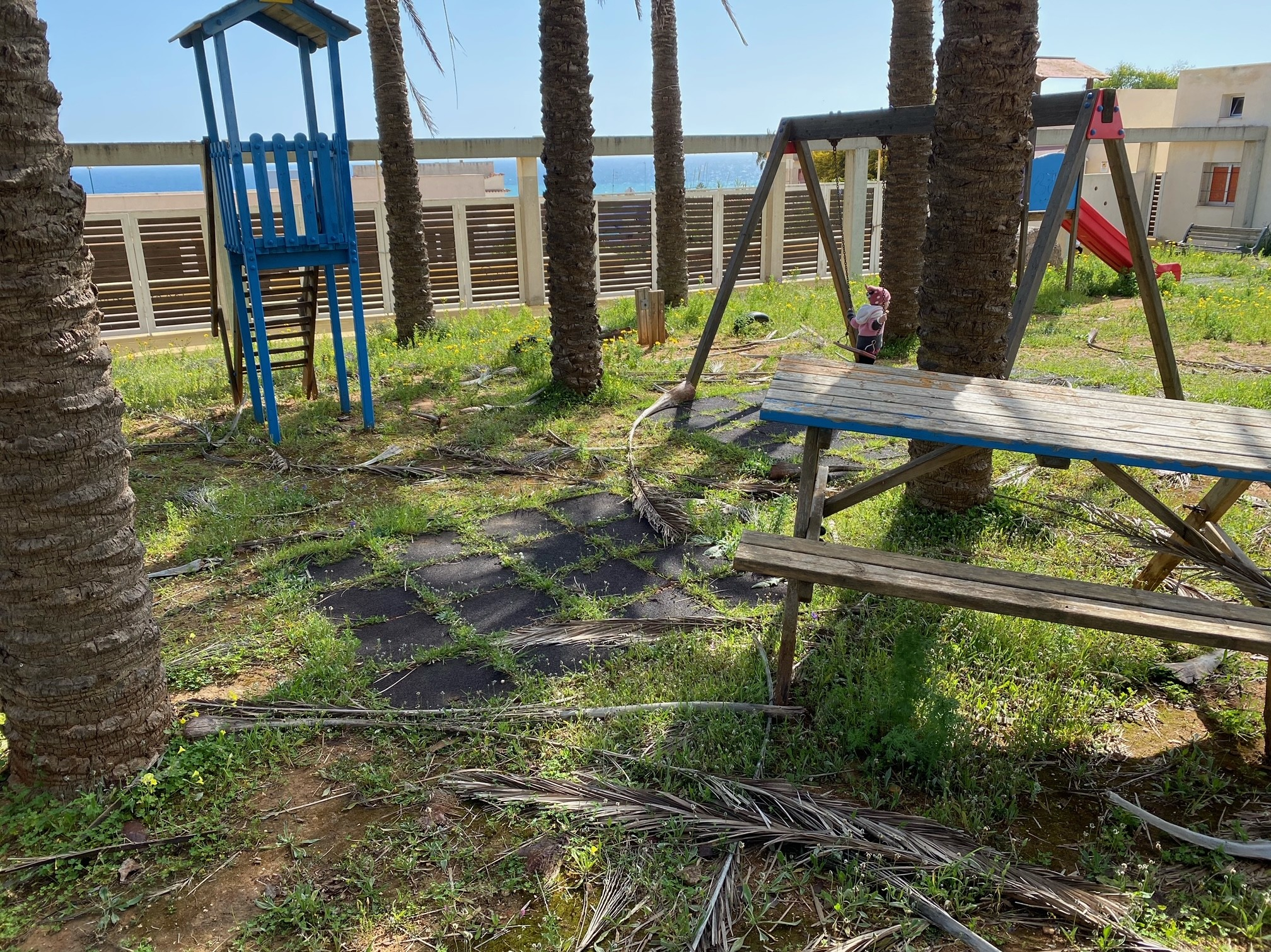 """Immagine articolo: Il lettore scrive: """"Il parco giochi di Triscina merita più attenzione. Comune intervenga"""""""