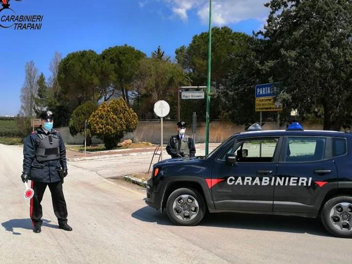Immagine articolo: Partanna, guida senza patente una moto che ha anche la targa alterata. Denunciato dai Carabinieri