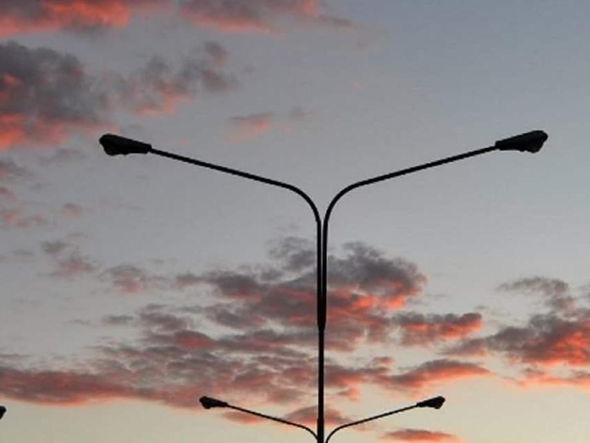 """Immagine articolo: Il lettore scrive: """"Via Turrisi Colonna e vie adiacenti al buio da giorni. Si intervenga"""""""