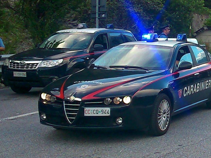 Immagine articolo: CVetrano: prende a martellate l'auto della sorella. Denunciata dai Carabinieri