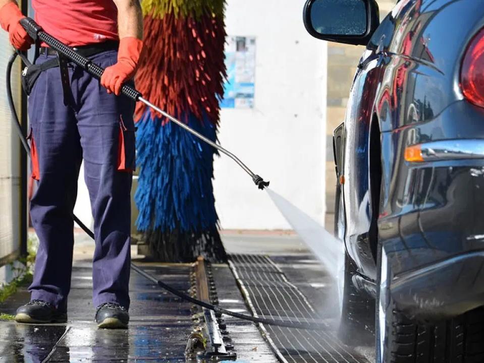 Immagine articolo: Scoperti alcuni autolavaggi abusivi a CVetrano. Chiuse alcune attività