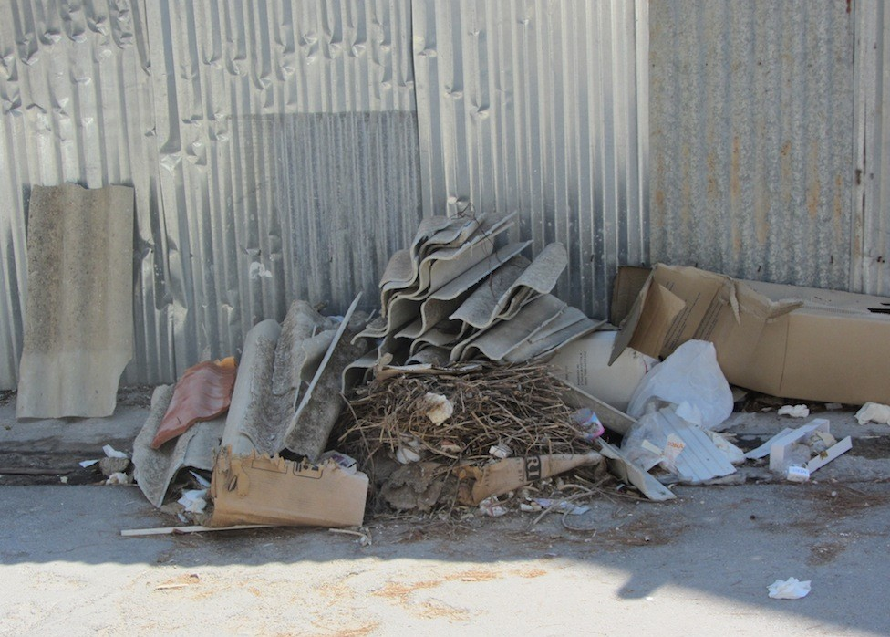 Immagine articolo: Salemi, allarme amianto in pieno centro storico. Situazione preoccupante