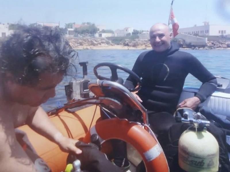 Immagine articolo: (FOTO) Un relitto sommerso nelle acque di Torretta Granitola scoperto grazie ad un appassionato di pesca subacquea