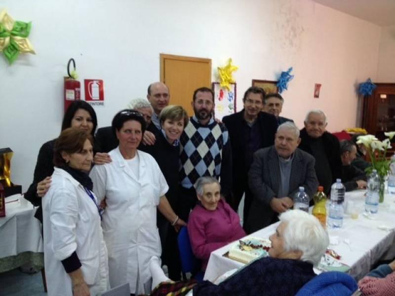 Castelvetrano futura a pasqua con gli anziani della casa for Piccoli piani di casa per gli anziani