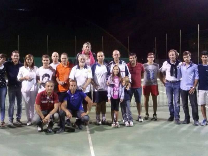 Immagine articolo: Salemi, quando il tennis diventa occasione per pulire la città. Iniziativa del Leo Club