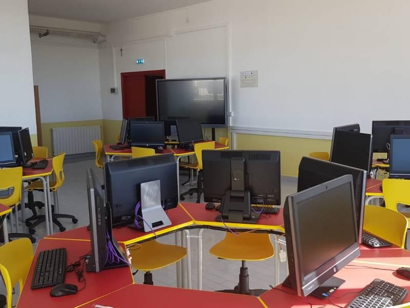 Immagine articolo: Santa Ninfa: Si inaugura aula multimediale alla scuola media «Capuana»