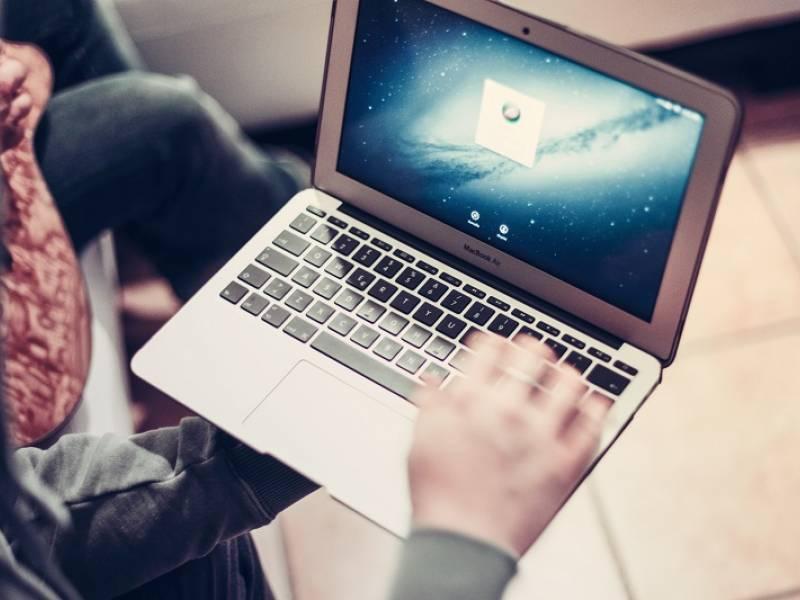 Immagine articolo: Il gioco tra opportunità e profitti nel mondo del web