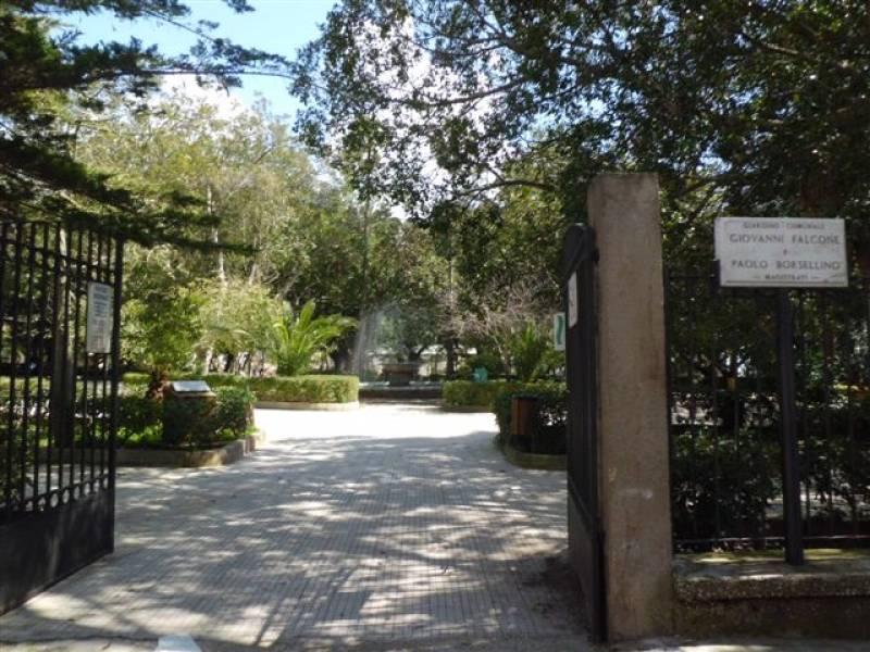 Immagine articolo: Situazione verde pubblico nelle ville comunali. Legambiente CVetrano scrive al Sindaco Alfano